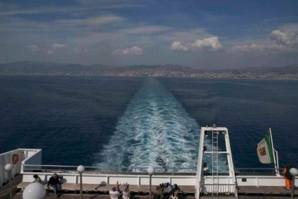 Ausfahrt der Faehre Genua - Barcelona - Tanger