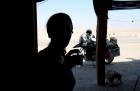 Motorradurlaub 2014, Tunesien, Tozeur-Douz, Chott El Jerid, einspurig-unterwegs