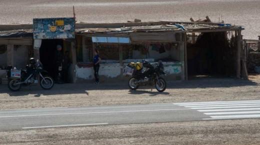 Motorradurlaub-2014-Tunesien-Tozeur-Douz-Chott-El-Jerid-einspurig-unterwegs