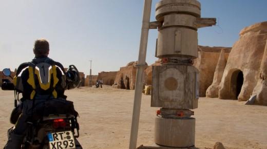 Motorradurlaub-2014-Nefta-Star-Wars-Tunesien-einspurig-unterwegs