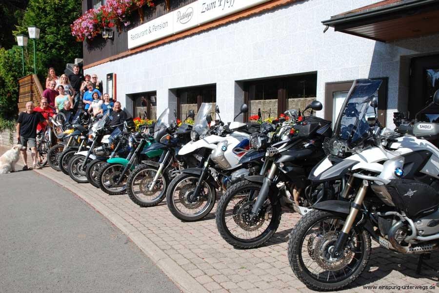 Motorradtour-2.Motorradausfahrt-Thüringer-Wald-Brotterode-Pfefferstübchen-Einspurig-Unterwegs.jpg