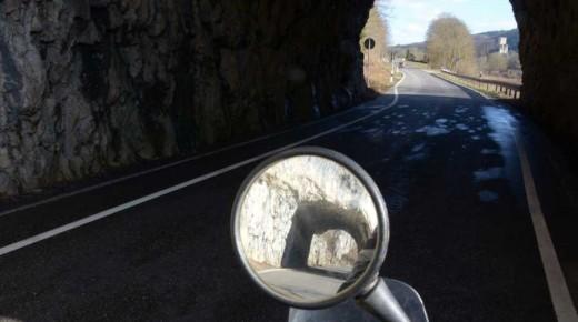 Motorradtour-2014-Donautal-Tunnel-einspurig-unterwegs